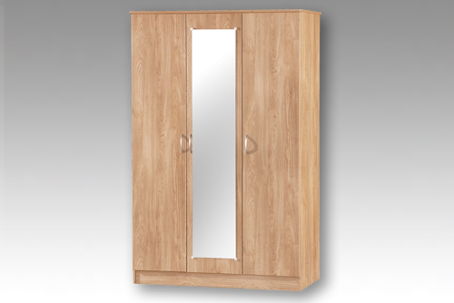 Oak 3 Door Wardrobe with Mirror